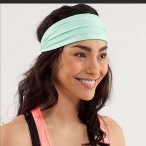 Lululemon   green polka dot headband